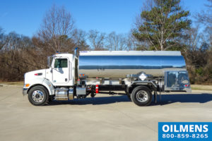 Peterbilt single axle fuel truck